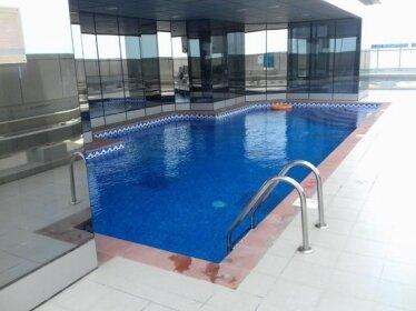 Hometown Apartments - 2 Bedroom Executive Condo next to Dubai Downtown