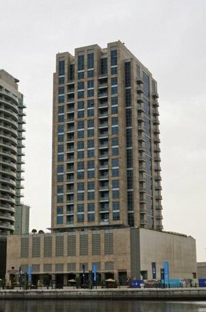 Signature Holiday Homes - Stunning 1 Bedroom Apartment In Business Bay Lake View Dubai
