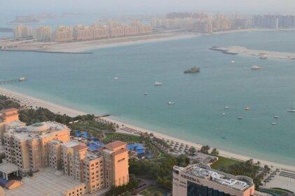 Vacation Bay-Clubber's Paradise Dubai Marina