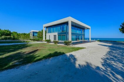 Nurai Luxury Sea front villa