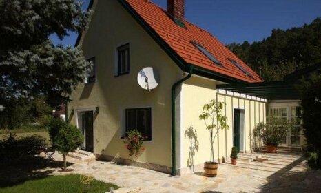 Romantic Cottage Bad Erlach