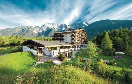 Kaysers Tirolresort - Wohlfuhlhotel fur Erwachsene