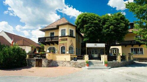 Hotel Kaiser Franz Josef Rohr im Gebirge