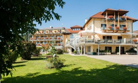 Hotel Seehof Sankt Georgen am Langsee