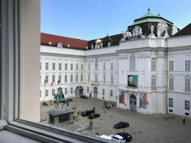 Classic Mozart City Room