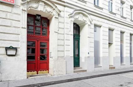 Haydn Apartment 1200