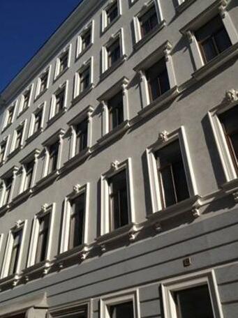 Livingston Apartment