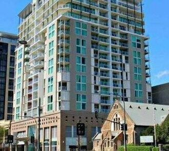 96 North Terrace Stylish Penthouse Apartment