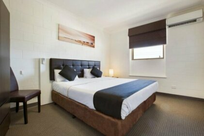 Nightcap at Hendon Hotel