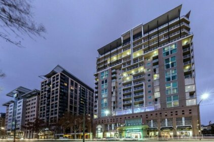 Oaks Adelaide Embassy Suites