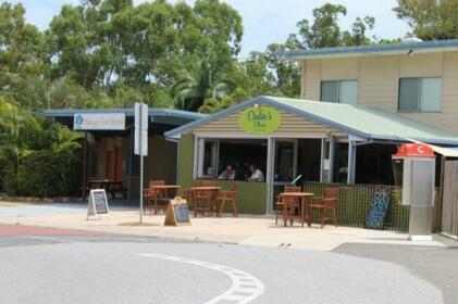 Mango Tree Motel