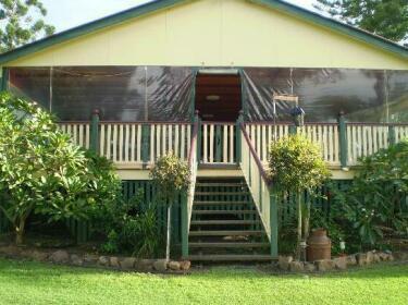 Clandulla Cottages & Farmstay