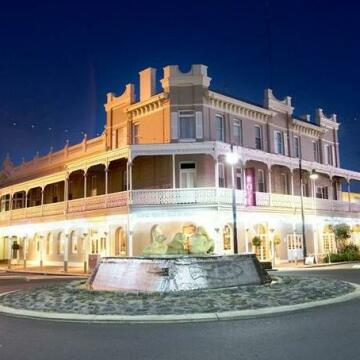 The Rose Hotel & Motel