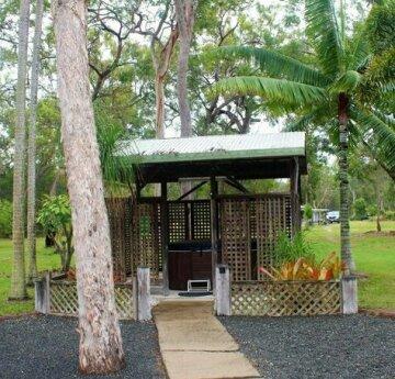 The Ole Gumtree - Kookaburras Nest