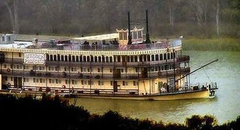Romantic Getaways at Riverview Rise Retreats