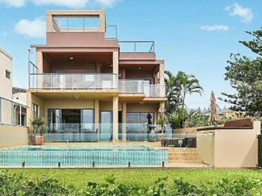 Absolute Beachfront Family Holiday Home - Beach House Holidays