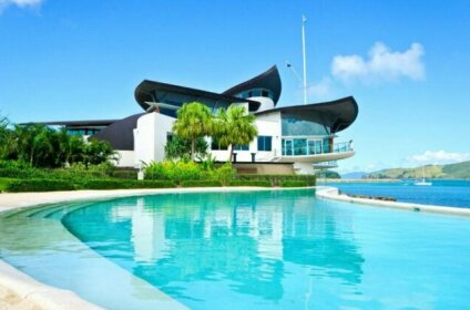 The Blue Marlin Yacht Club Villa 6 On Hamilton Island