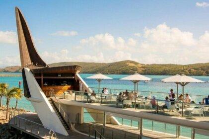 Yacht Club Villa 33-Serenity-Ocean Views with Golf Buggy