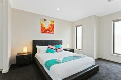 72 Lemonwood Villa - Melbourne 5bdr
