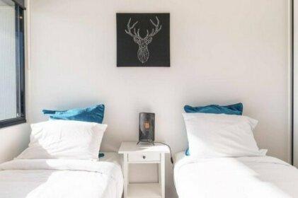 Abbortsford 2 Bed 2 Bath Mountain View Apartment
