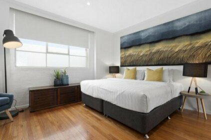 Manallack Apartments Olley