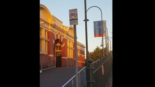 Melbourne short stay - Caulfield station Monash Uni