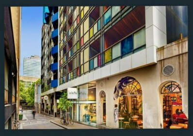 Quiet Laneway Apartment Near Bourke St Mall
