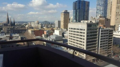 Three Bedroom Penthouse At Paramount Melbourne