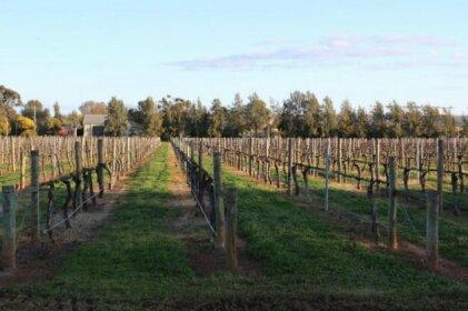 Milawa Vineyard Views - Guesthouse 1