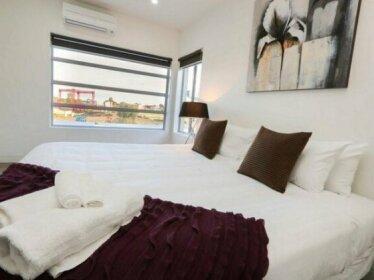 Indulge Luxury Homes - Marina 4