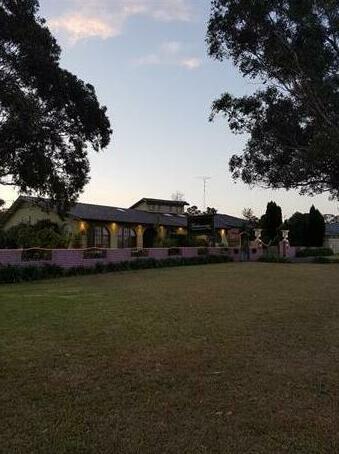 Homestay - Getaway Inn Guest House