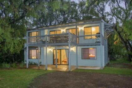 Tranquil Waters - Pet Friendly Family Beach House in Quindalup