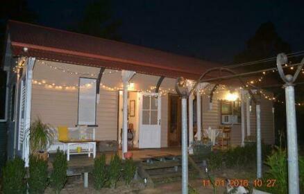 Barney Creek Vineyard Cottages