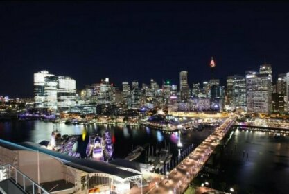3 Bedroom Darling Harbour Apartment