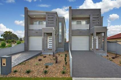 Canley Heights Villa 45a - Modern Home