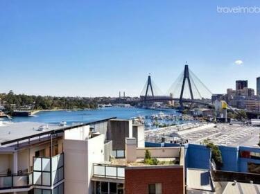 Darling Harbor Apartment