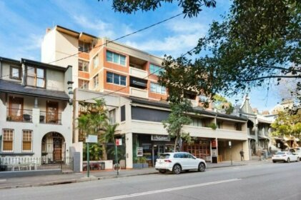 Darlinghurst Self-Contained Modern One Bedroom Apartment 21 CRN
