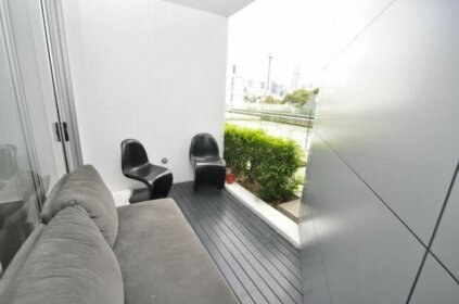 Darlinghurst Self-Contained Modern One-Bedroom Apartment 313 BUR