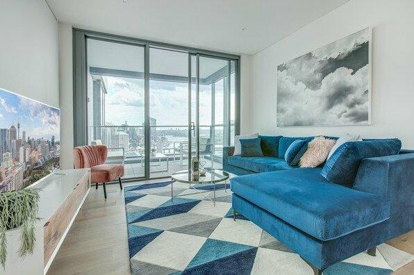 Designer apartment with stunning views- Photo2