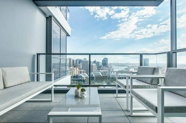 Designer apartment with stunning views- Photo3