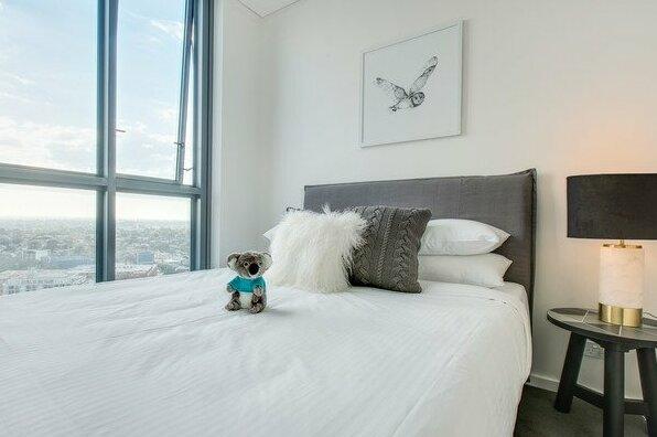 Designer apartment with stunning views- Photo5