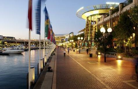 Holiday Inn Darling Harbour- Photo 2