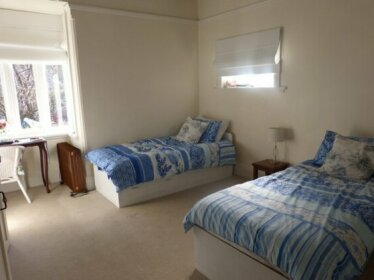 Homestay - 5 minute walk to Epping Station