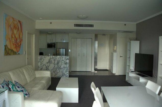 Large 2 Bedroom Apartment in World Square Sydney CBD - Photo2