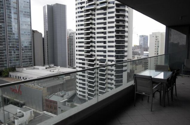 Large 2 Bedroom Apartment in World Square Sydney CBD - Photo3