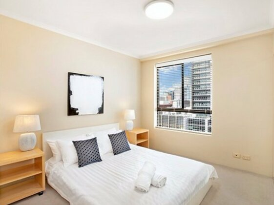 Light Filled Sydney Central Apartment - A2504- Photo4