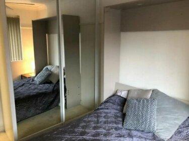 Quiet North Parra Apartment Rooms across from Park