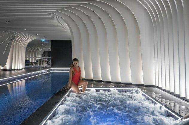 SKYE Suites Sydney- Photo2