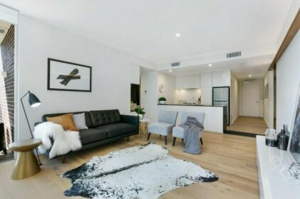 St Leonards Self-Contained Two-Bedroom Apartment 803NOR