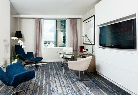 Sydney Harbour Marriott Hotel at Circular Quay - Photo 4